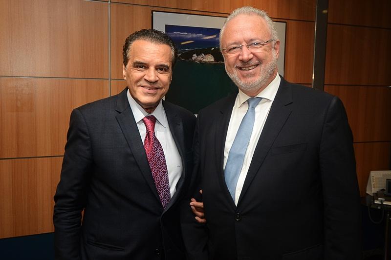 Foto: Paulino Menezes - Ministro Henrique Eduardo Alves e presidente dos correios, Wagner Pinheiro de Oliveira