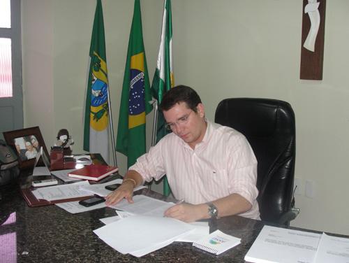 Ivan Júnior gabinete