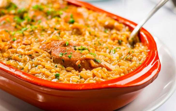 © Fornecido por Gastrolândia arroz_galinhacaipira