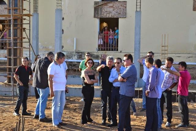 Fotos (Arquivo): Visita do ministro Henrique Alves às obras da 1ª etapa do teleférico de Santa Cruz, em execução com recursos do Mtur, no valor de R$ 5 milhões.