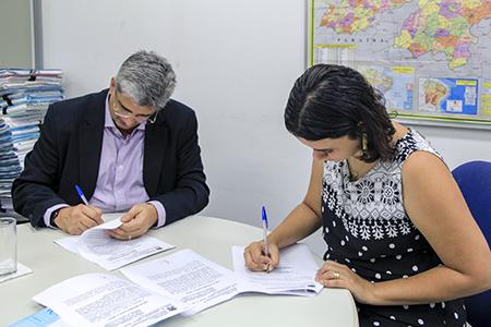 Assinatura de Termo de compromisso
