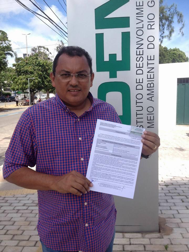 Luiz Jairo com a licença