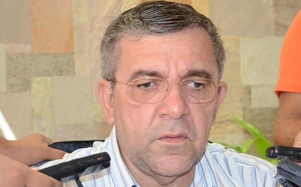 Roberto-Germano-planeja-aplicar-pagamento-de-multa-para-quem-jogar-lixo-em-via-pública