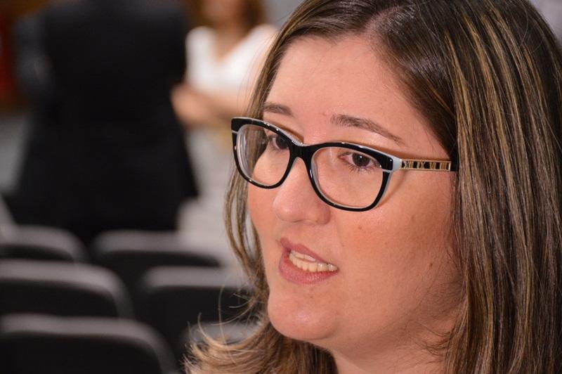 Defensora pública Cláudia Carvalho Queiroz