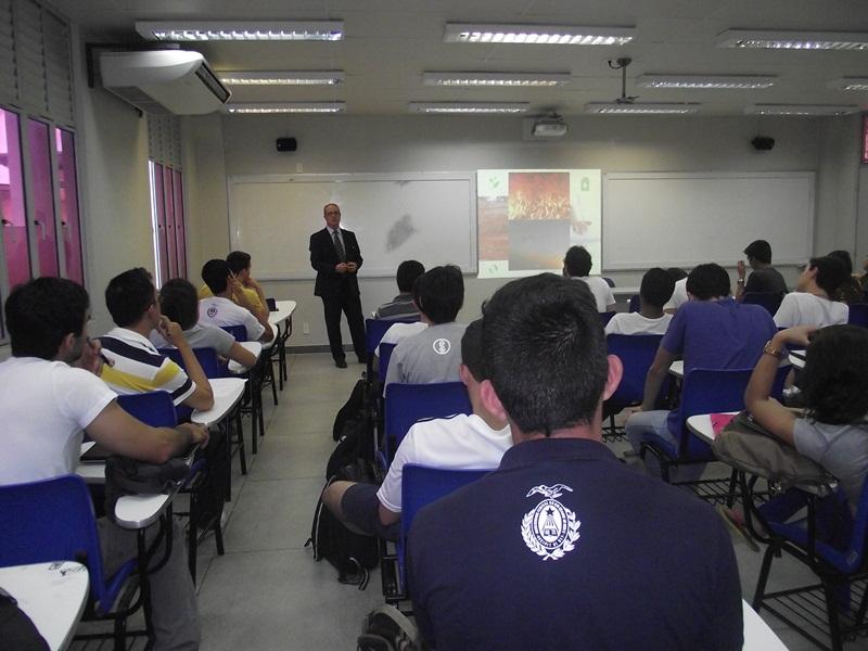 Palestra com estudantes da UFRN em 2015.