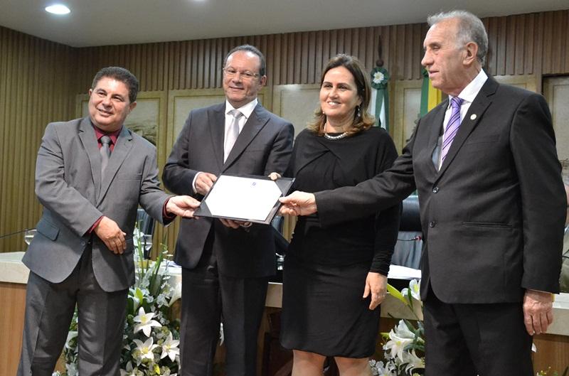 Ricardo Valério – Pres. Do Corecon, Raniere Barbosa, economista Virgínia Ferreira   e o vice-Presidente do COFECON, Odisnei Antônio Béga