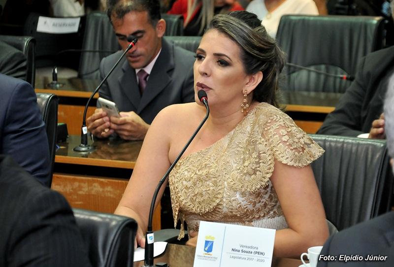 Verª Nina Souza - Foto ELPÍDIO JÚNIOR (5)