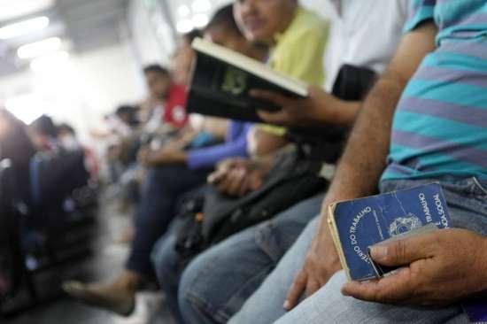 © Tiago Queiroz/Estadão Reforma trabalhista muda 100 pontos da CLT