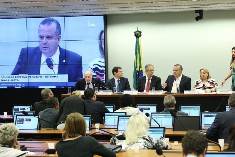 Rogério na comissão de modernização das leis trabalhistas (1)