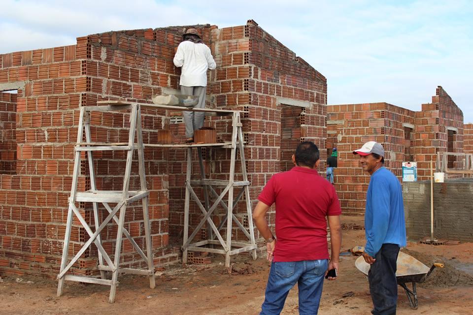Construção de 40 casas