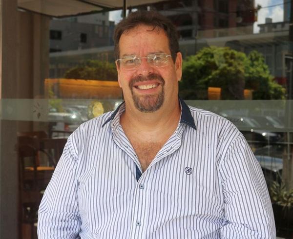 Renato Vilar - Autor.