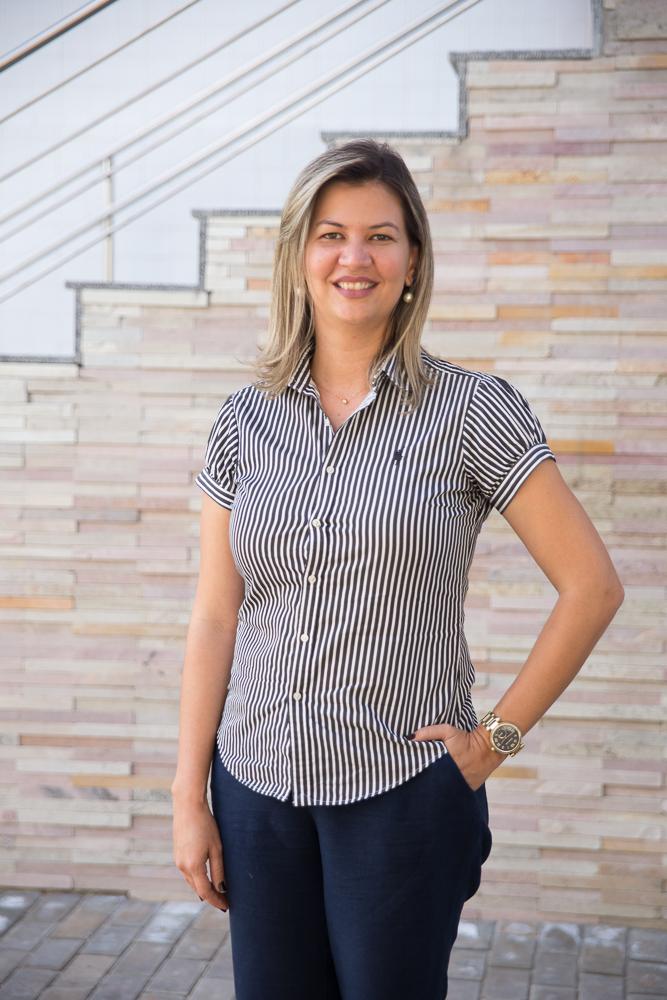 Saionara Maria Aires da Cãmara. professora do curso de Fisioterapia