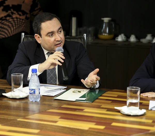 Gustavo Fernandes na reunião da Unale - Foto Divulgação Unale (2)