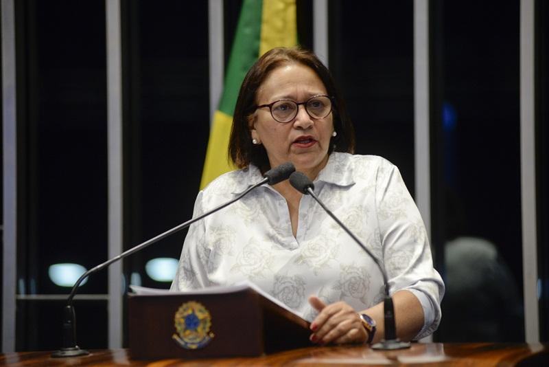 Plenário do Senado Federal durante sessão deliberativa ordinária.  Em discurso, senadora Fátima Bezerra (PT-RN).  Foto: Jefferson Rudy/Agência Senado