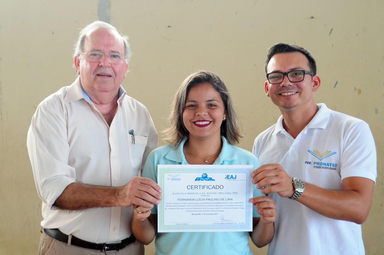 thumbnail_Coordenadores do Pronatec entregam certificados