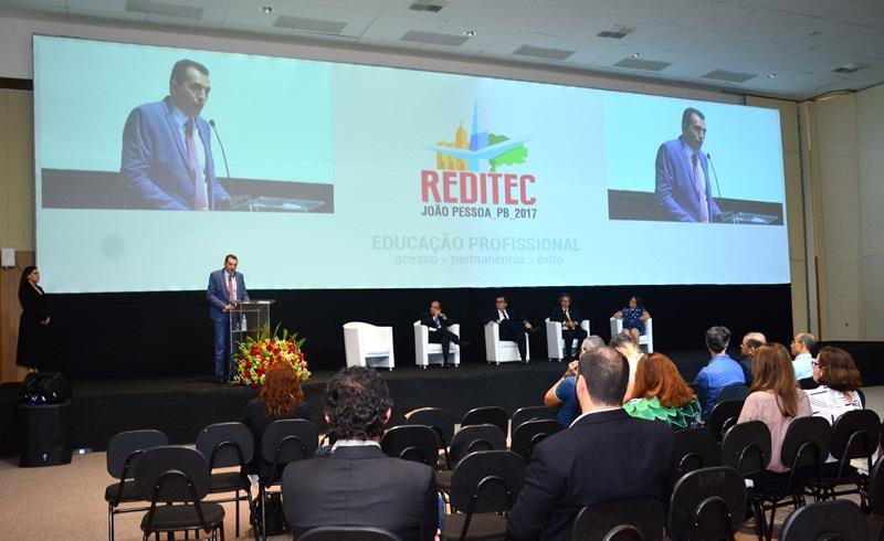 Ivan Max Freire de Lacerda fala na cerimônia comemorativa dos 10 anos da Rede e-Tec Brasil