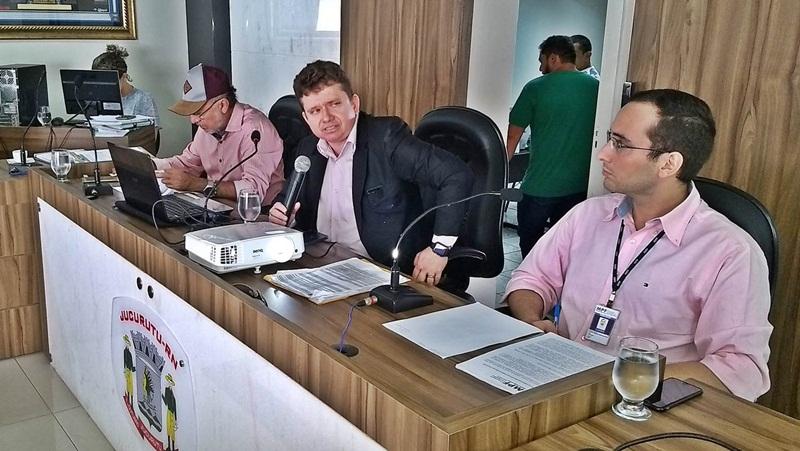 Juiz Herval Sampaio em audiência na Câmara de Jucurutu
