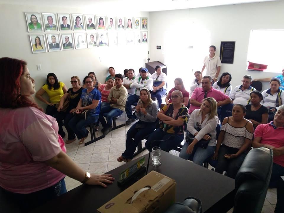 Palestra sobre diagnóstico precoce do câncer ministrada pela enfermeira Keylla Duarte na Câmara Municipal de Olho DÁgua do Borges.3