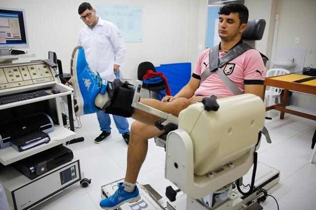 Fisioterapia - A Lefern atende entre 80 e 100 atletas de várias modalidades por semestre