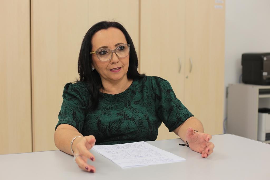 Especial Currais Novos - Coordenadora da pesquisa Ana Maria de Oliveira Paz é responsável por uma série de trabalhos ligados à escrita após a formação profissiona