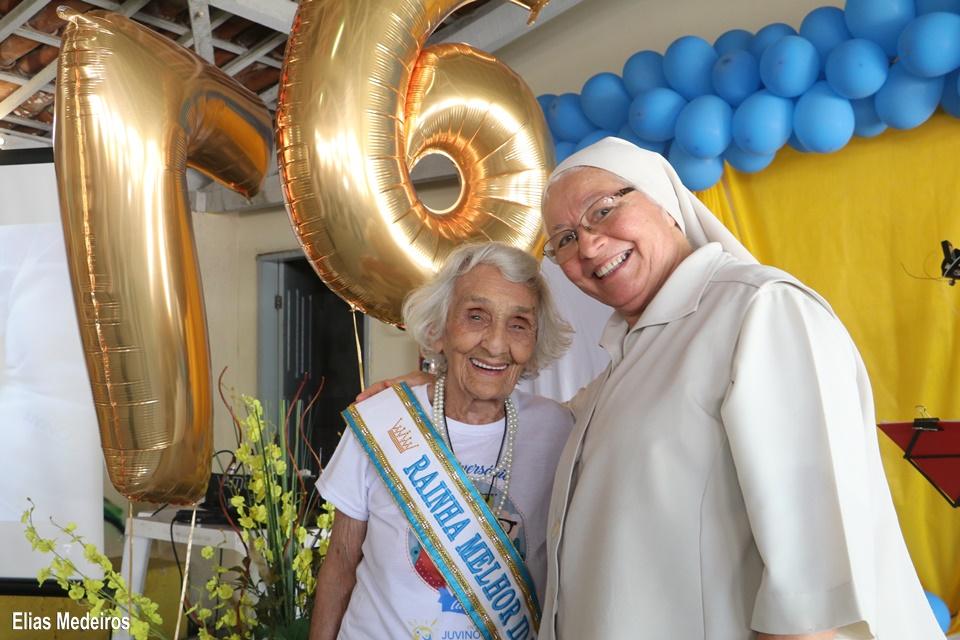 Mariana Dantas e a Irmã Enide Leite - diretora geral do Juvino