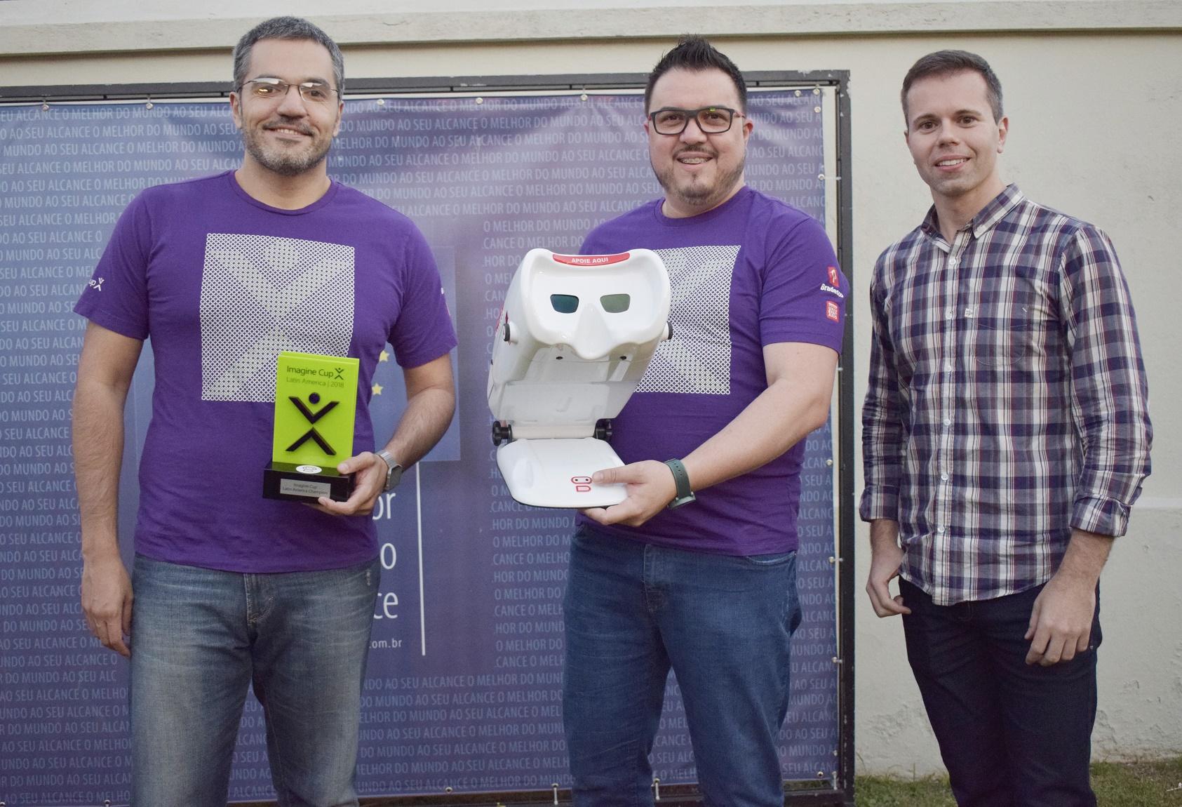 a716ec66eb O Adam Robo foi selecionado entre mais de 180 projetos na América latina e  agora disputa a final da Microsoft Imagine Cup no próximo dia 25 de julho